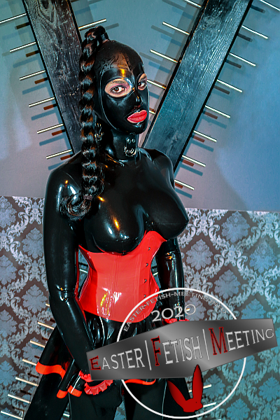 heavyrubber slave